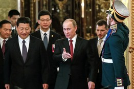 http://thecommonsenseshow.com/siteupload/2014/03/putin-and-chinese-sign-energy-agreement.jpg
